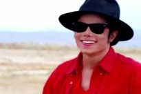 michael-jackson-em-cena-do-clipe-a-place-with-no-name-1408035522373_956x500